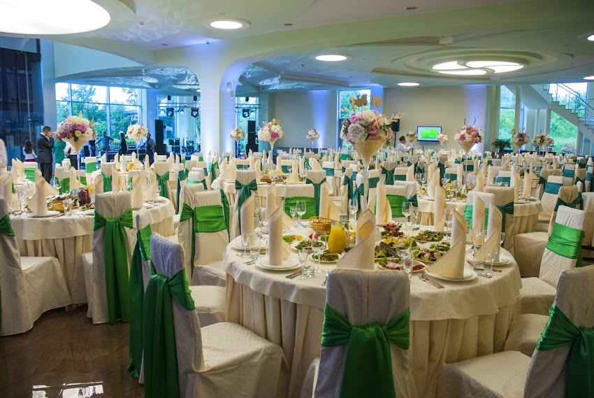 project management for a banquet hall